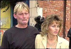 Caption=PIC SHARON DOORBAR 07973 340201.....BOGUS LOTTERY WINNER COURT CASE.....HOWARD AND KATHY WALMSLEY ARRIVE AT SHEFFIELD CROWN COURT.